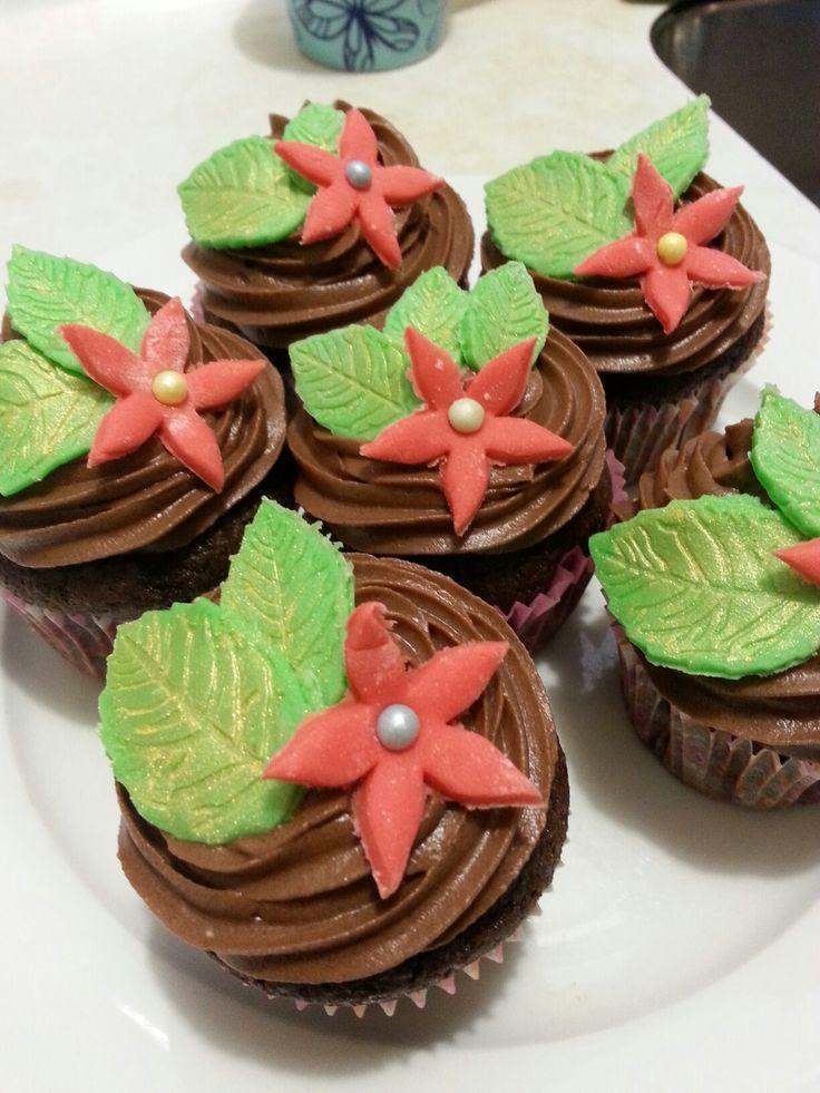 vegan chocolate peppermint cupcakes