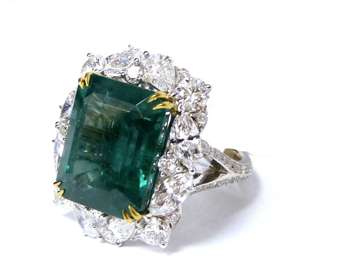 Natural Colombian Emerald Ring image 2