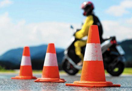Motorozna, de nincs jogosítványa? Válassza oktatásunkat!  http://tothautosiskola.hu/oktatasok/motoros-oktatas-szeged/