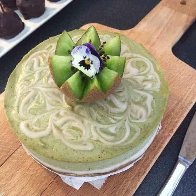 RAW KIWI CHEESECAKE (utan gluten, socker, mjölk och ägg) – Organic By Mommy