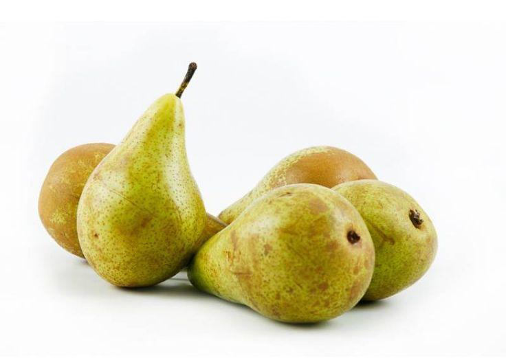 Zijn peren gezond?Peren zijn een middelgroot fruit, wetenschappelijk bekend als Pyrus communis.  Ze ontstaan in Europa en Azië, maar vandaag de grootste producent is China.