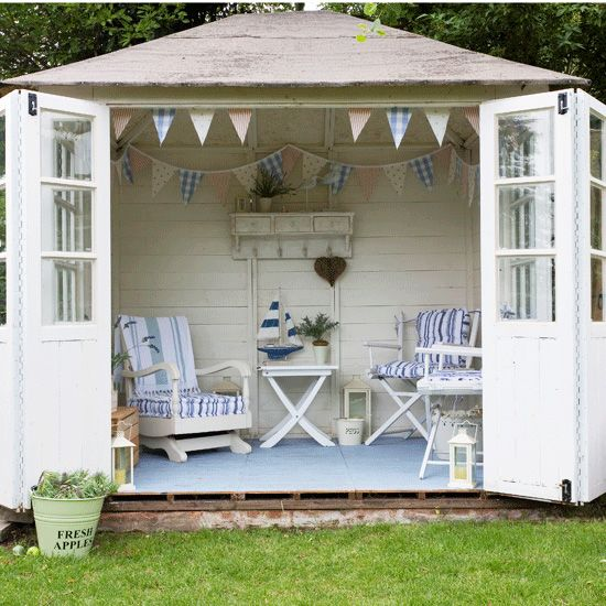 Vintage summerhouse. More at: www.myhomerocks.com/2012/05/garden-rooms-outdoor-offices/ #homeimprovement