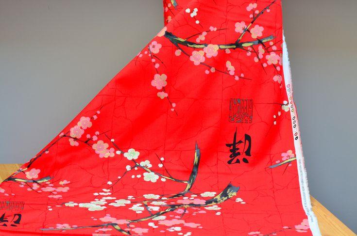 """Tela japonesa roja """"Golden Garden"""" diseño de Alexander Henry. Un estampado japo en rojo intenso y sutiles dorados. Envío desde España en 48h."""