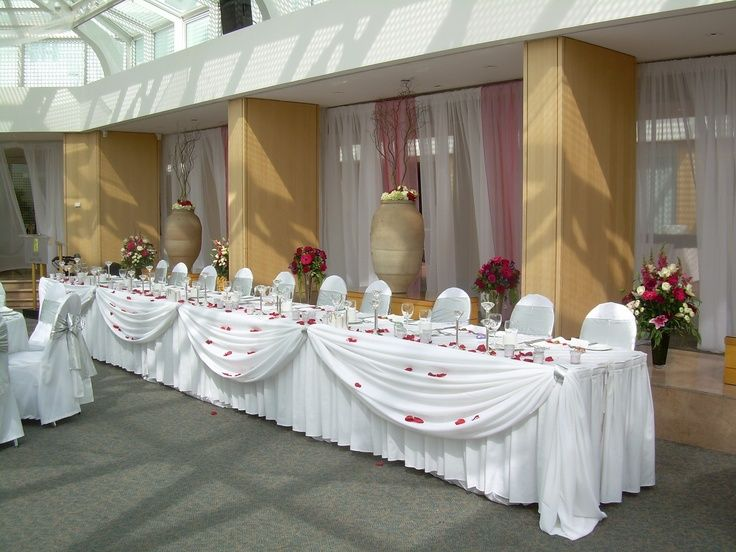Simple Head Table Draping Head Table Chateau Glam