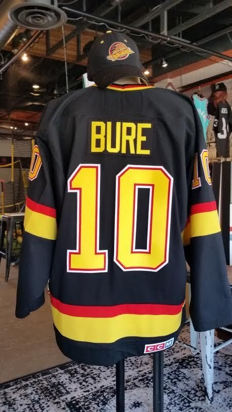buy online 73239 0f6c2 Pavel Bure Vintage CCM Vancouver Canucks Jersey - Large ...