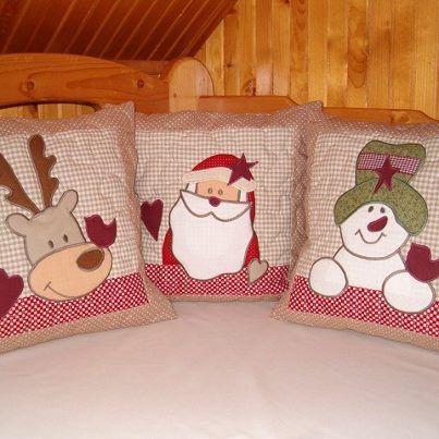 O Natal está batendo à porta e você ainda não teve tempo para decorar a sua casa? Saiba que com um pouco de criatividade e apenas alguns minutos dá para deixar o seu lar no clima gostoso de final de ano. Co...