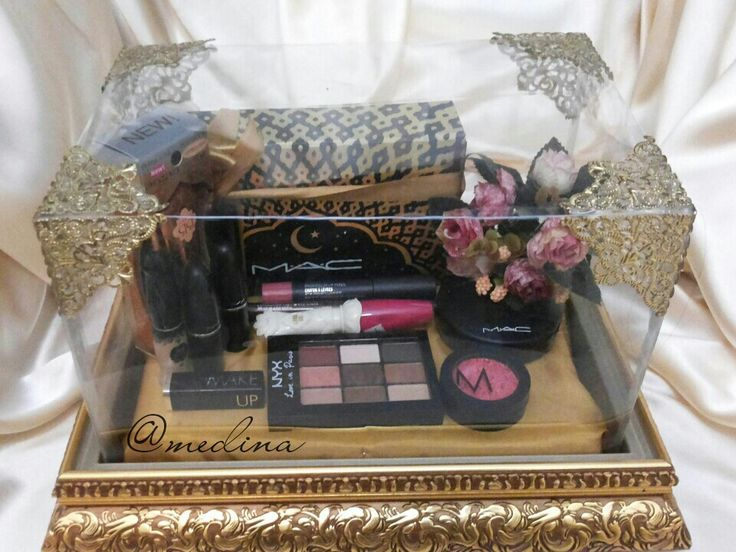 Beauty kit. Golden tray. IG @medina_rumahseserahan
