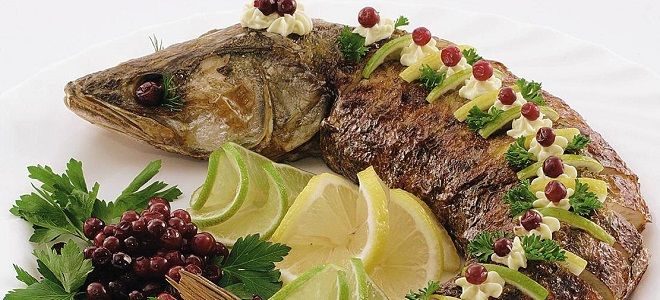 Фаршированная рыба - 8 лучших рецептов и вариантов украшения    Фаршированная рыба всегда считалась главной гостьей на царских столах. С ходом времени это блюдо не утратило своих позиций, но успело стат…