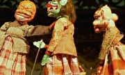 Pelo Mundo - Teatro de bonecos na Indonésia aborda temas modernos para atrair o público jovem | globo.tv