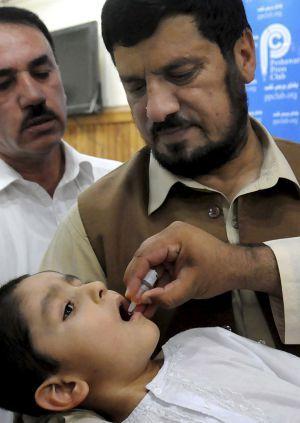2012. Los talibanes impiden que se vacune de polio a miles de niños paquistaníes | Sociedad | EL PAÍS