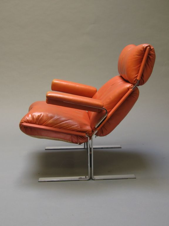 Giovanni Offredi; Chromed Steel and Leather Lounge Chair for Saporiti, 1970s.