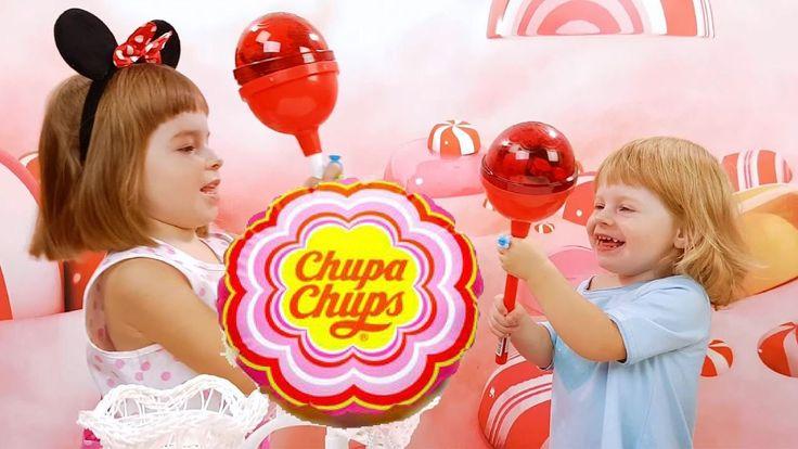Анютка с Лизой открывают Большие, нет, ОГРОМНЫЕ Чупа Чупс Сюрпризы с конфетами, а также круглые Шоколадные шары Чупа Чупс с сюрпризами и игрушками! ✔ Подписы...