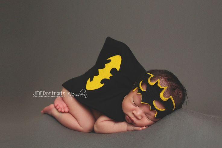 Neonato supereroe Batman Costume per neonato bambino boy - fotografia Prop - Batman - DC Comics - Halloween, Baby doccia regalo di pitterpatcrochet su Etsy https://www.etsy.com/it/listing/189647731/neonato-supereroe-batman-costume-per