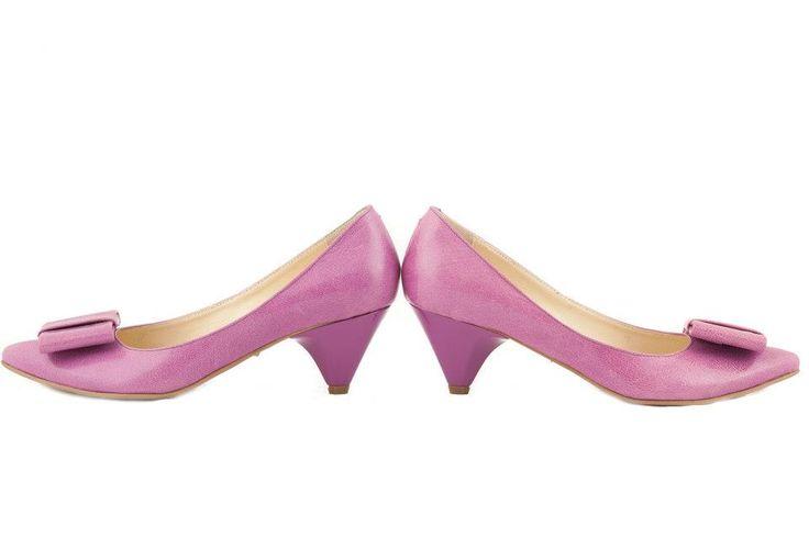 Pantofi din piele naturala - 180 lei