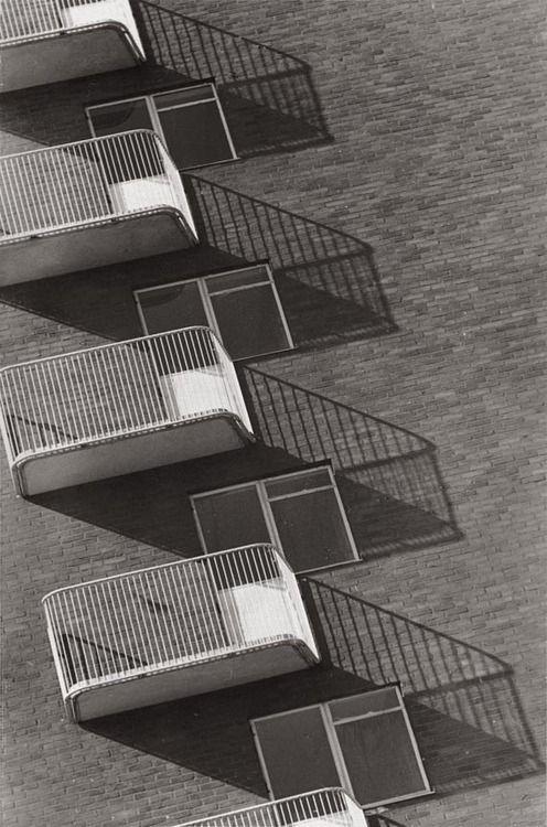 Housing, Amager, Denmark [1942 Keld Helmer-Petersen].