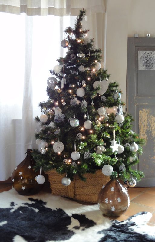 1000 ideas about no l blanc on pinterest d corations de no l blanches d c - Decorer un sapin de noel blanc ...
