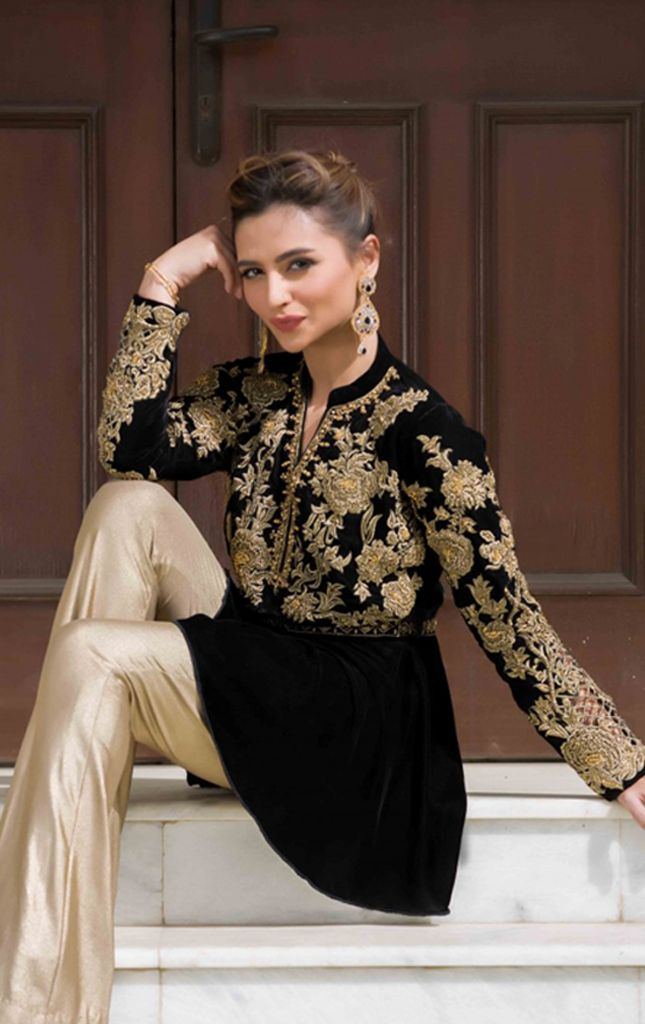 Stylish Pakistani Party Wear Dresses 2017 For Girls In Peplum Style In Black Color