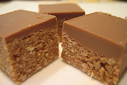Chocolate Weet-Bix Slice makes the perfect lunchbox treat! Best of all, you've probably already got all of the ingredients at home!