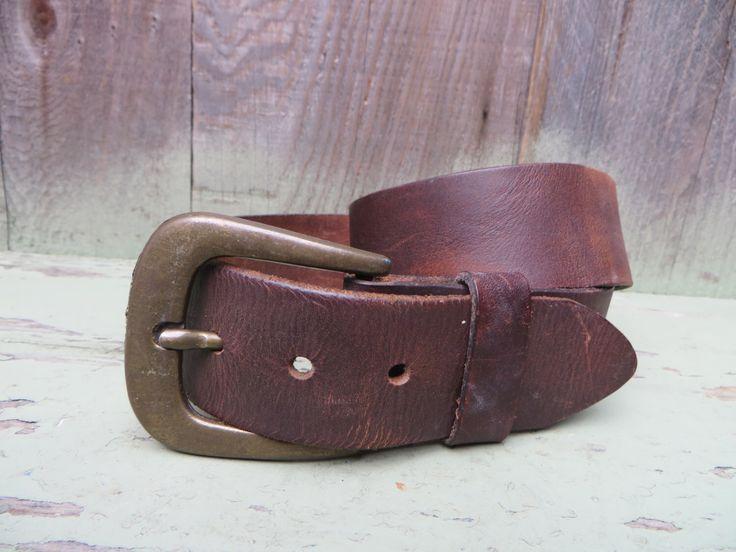 Vintage 1970s Hippie Belt Burnished Leather Simple Basic Brass Buckle Distressed Rugged Fits 29 to 33 Waist von Cucarachaz auf Etsy https://www.etsy.com/de/listing/265809588/vintage-1970s-hippie-belt-burnished