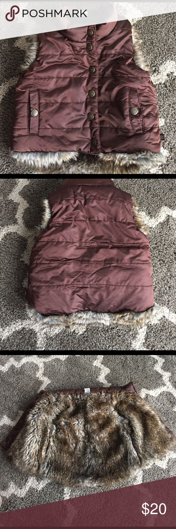 GAP 3 years puffy Vest very cute GAP Size 3 years puffy vest, very cute and warm completely fur lined GAP Jackets & Coats Vests