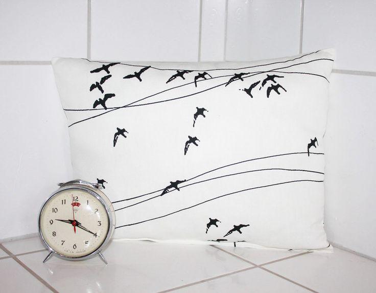 Kissen - Kissen skandinavisches Muster Vögel schwarz weiß - ein Designerstück von Handmade-Erzgebirge bei DaWanda