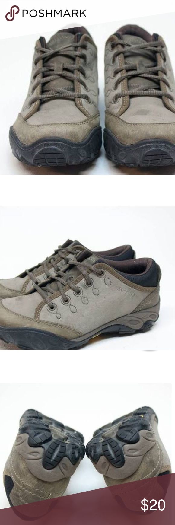 Merrell quartz brindle grey hiking shoe size 9 Worn but not worn out. Great used condition Hiking boot technology and casual shoe comfort are fused together to create the Merrill Quartz shoes. A superb choice for travel, they make traversing from city roads to backroads easy and enjoyable. Nubuck leather uppers with artisan stitching are flexible and attractive Recycled polyester mesh  Vibram® Pelorus outsoles feature TC5+ rubber for superior traction and durability on wet and dry surfaces…