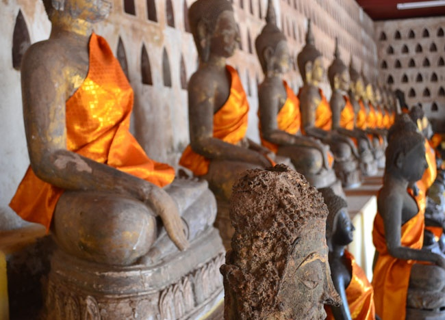 Wat Sisaket Temple Buddhas - Vientiane City Tour - Weekend in Vientiane  For our less ordinary Vientiane travel blog check here:  http://live-less-ordinary.com/asia-travel/vientiane-city-tour-weekend-in-vientiane