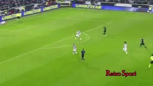 Dani Osvaldo tried to fight Mauro Icardi  Juventus vs Inter  06 01 2015