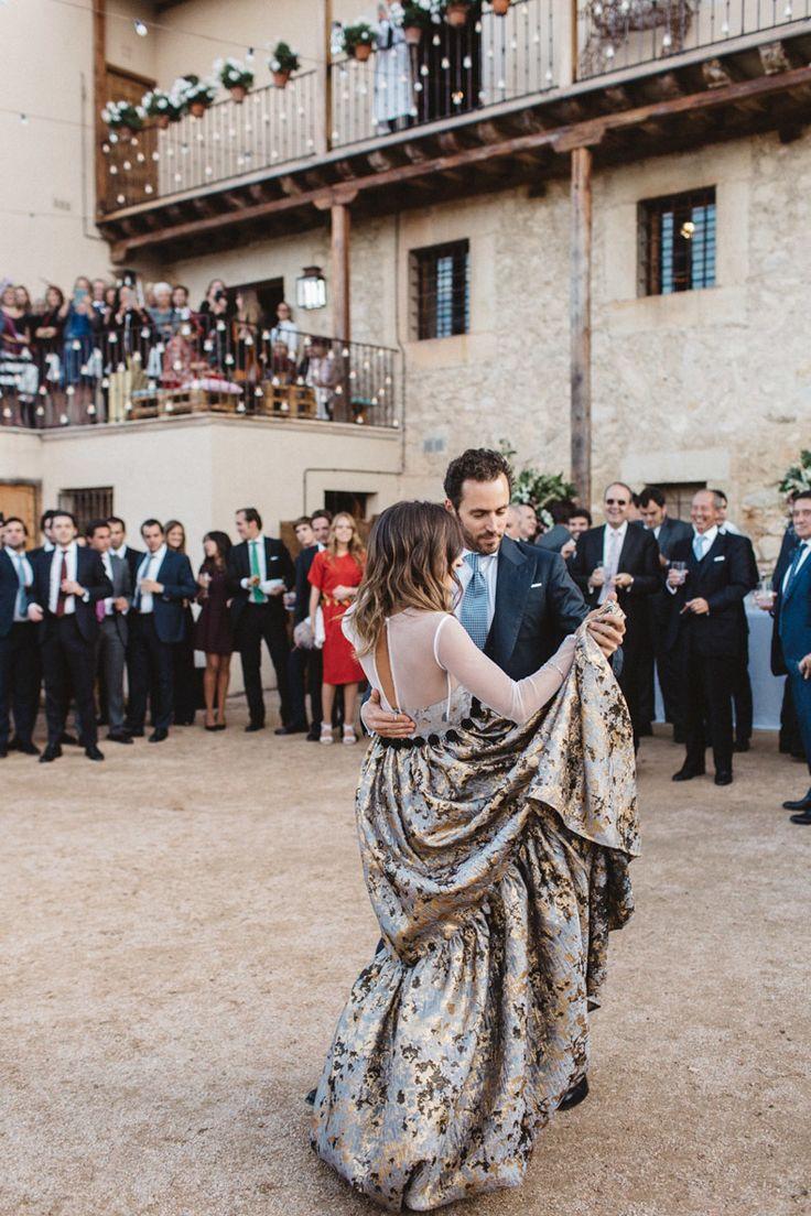 Los novios abrieron el baile con la canción La Bohème, de Charles Aznavour.