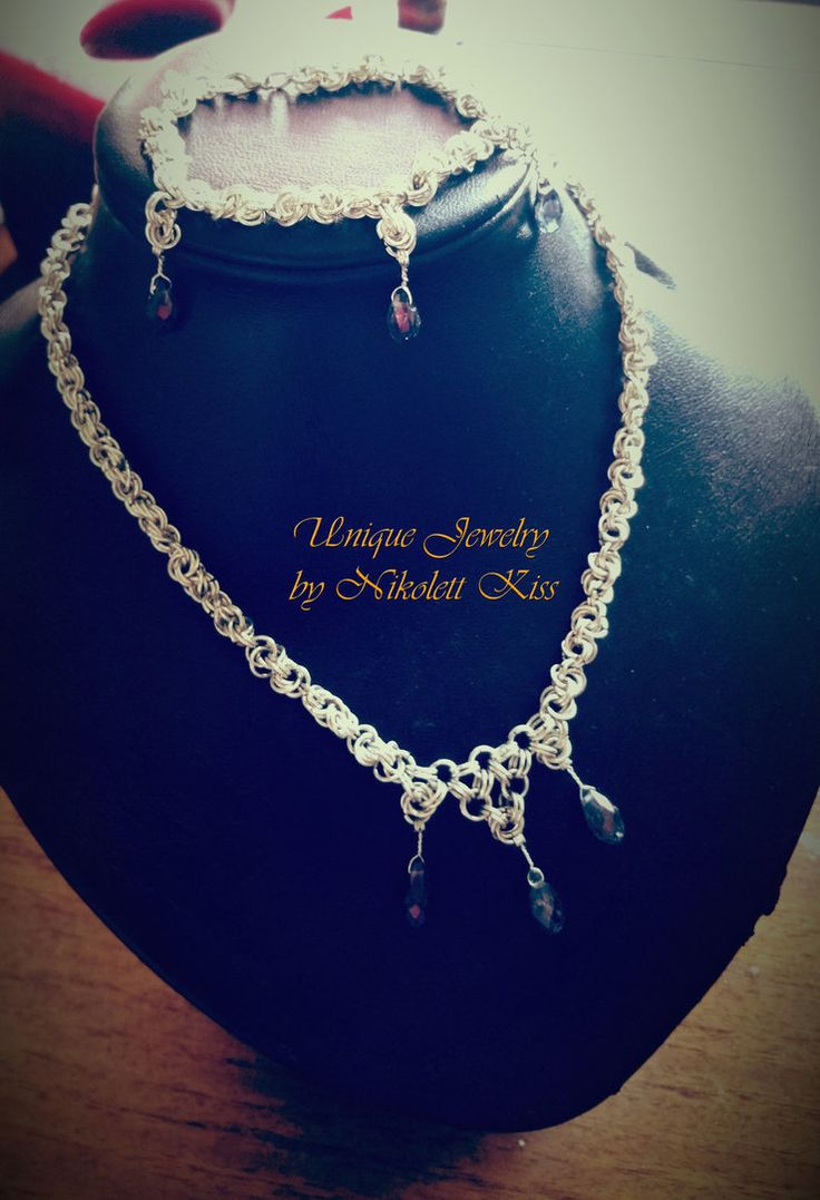 Silver Plated Wire Necklace and Bracelet by NikolettKiss
