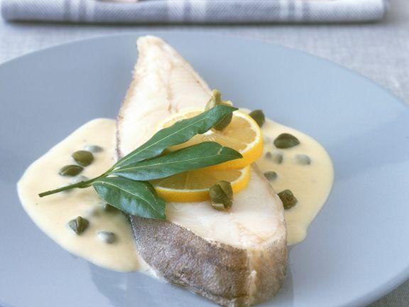 Pochierter Heilbutt mit Weißweinsauce ist ein Rezept mit frischen Zutaten aus der Kategorie Meerwasserfisch. Probieren Sie dieses und weitere Rezepte von EAT SMARTER!