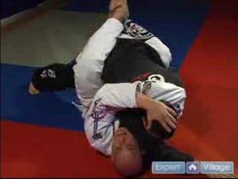 Beginning Jujitsu Moves : Arm Triangle Choke from the Guard Position in Jiu Jitsu