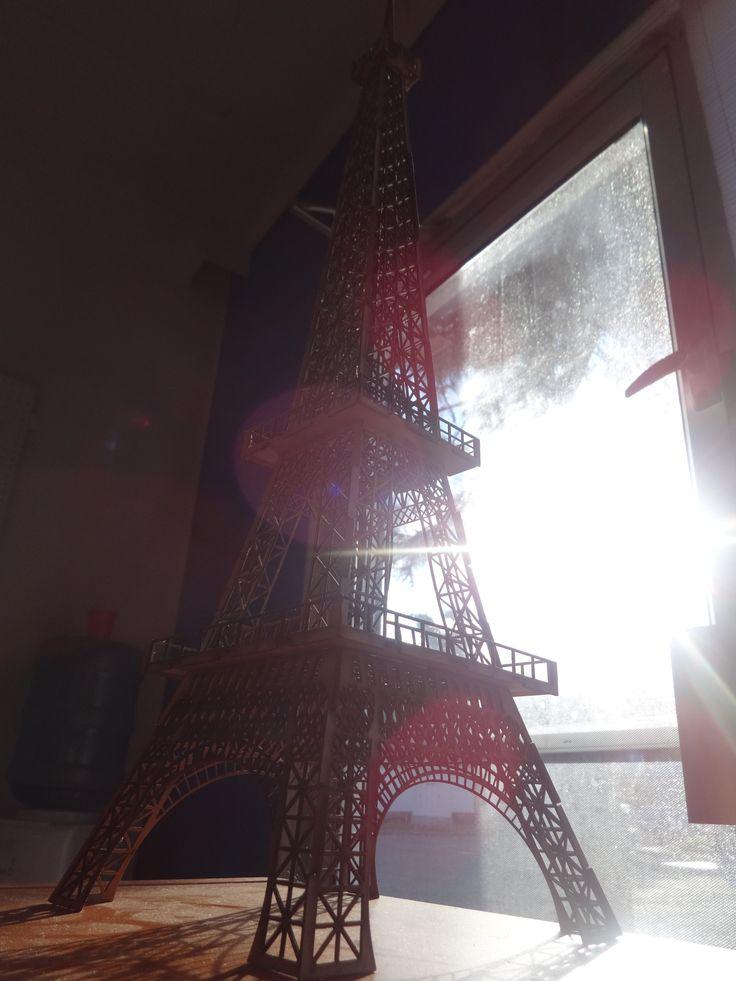 Torre Eiffel de Cartoncillo.