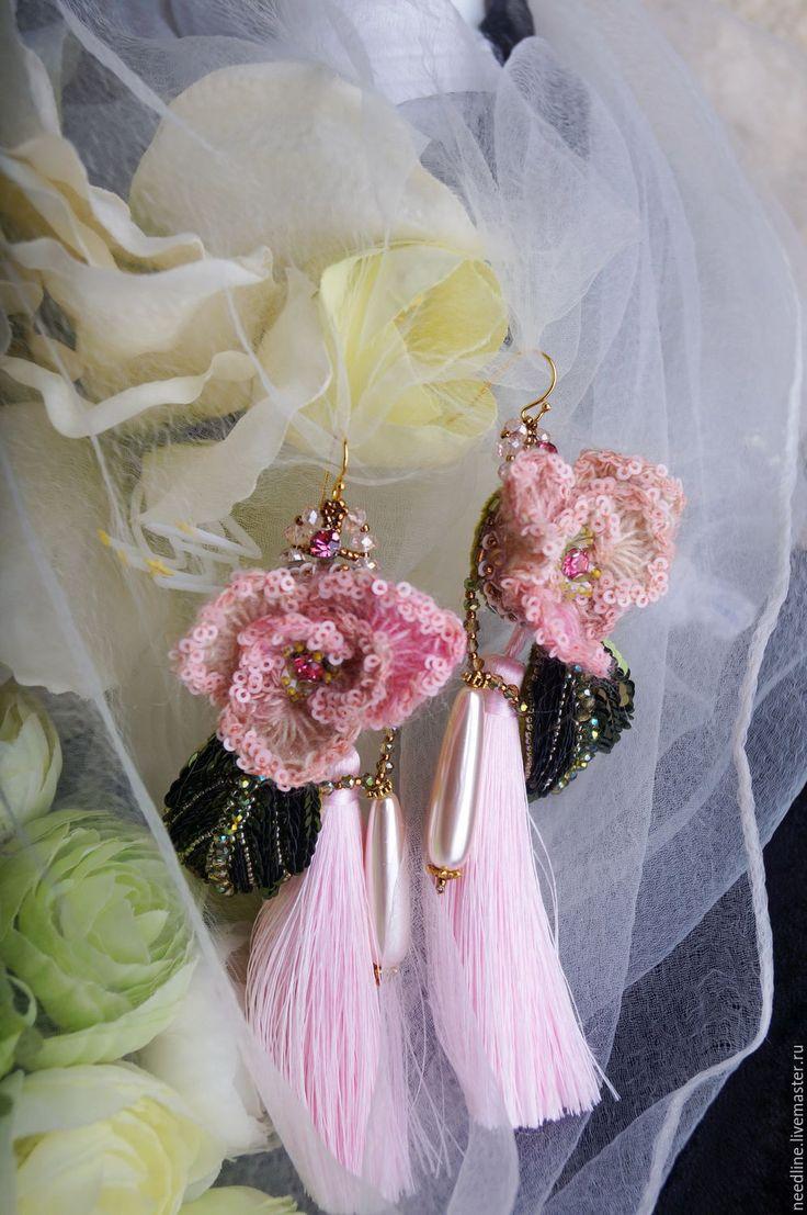 """Купить серьги """"Романтика"""" - комбинированный, розы, розовый, зелень, роза, листок, вышитые серьги"""