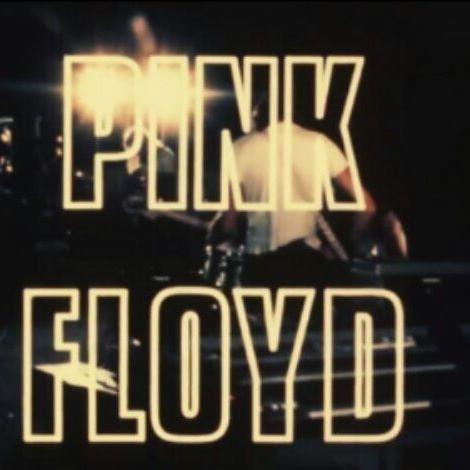 Pink Floyd performing 'Atom Heart Mother'. St. Tropez, France. August 8, 1970. #pinkfloyd #davidgilmour #rickwright #rogerwaters #nickmason