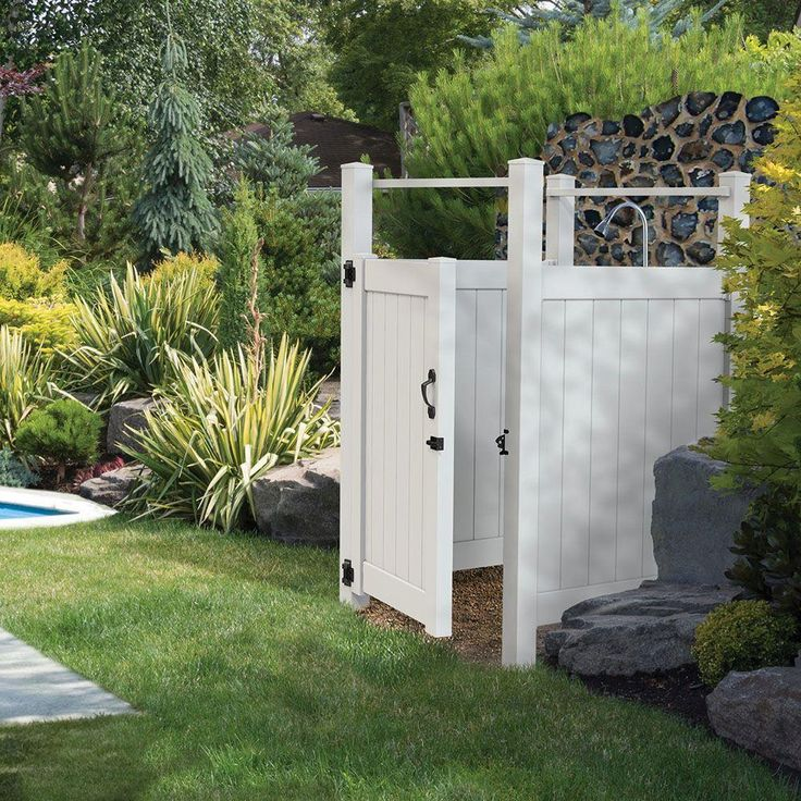 Vinyl Outdoor Shower Stall Kit With Un Assembled Gate, White