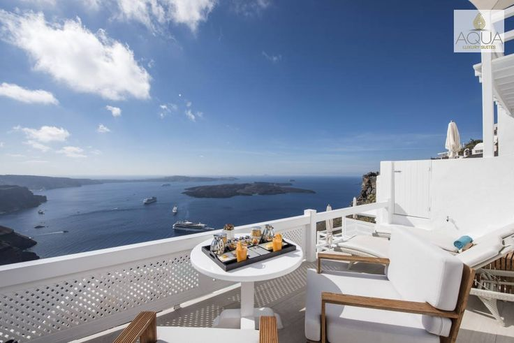 Breakfast is served! Who wouldn't want a morning ritual like that? #aquasuites #santorini #aqua #luxury #suites #greece