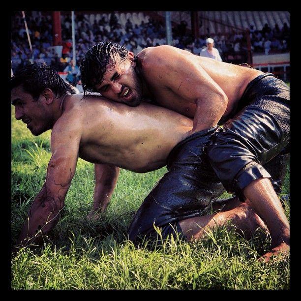 Nude hot oil wrestling — photo 1