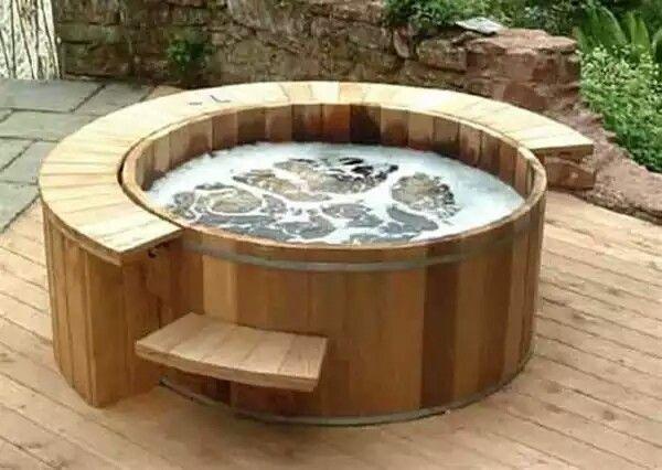 Bain à remous en bois