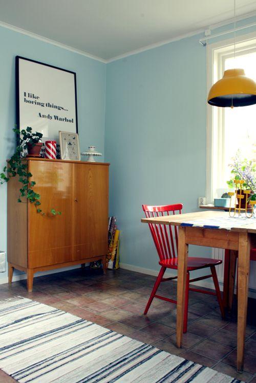 Porcelain Enamel Pendant Light in a Swedish Retro Cottage | Blog ...