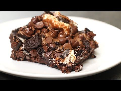 Oreo Marshmallow Brownies- probably without the chocolate chips better