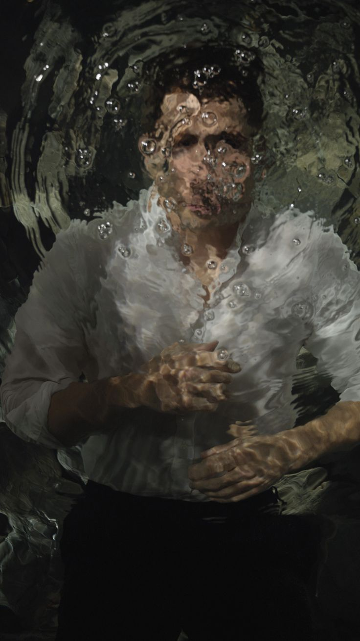 Jake Gyllenhaal by Bill Viola - Jake Gyllenhaal, Bill ViolaJake Gyllenhaal on W's December 2014 Art cover. Gyllenhaal wears Boss shirt and pants. Photography by Bill Viola Styled by Patrick Mackie