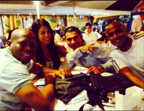 Foto para el recuerdo con mis amigos @eltinoasprilla @aristigol y el nuevo en instagram @17edwinvalencia síganlo ;) mucho lo que los admiro y más lo que los quiero #amistaddelabuena en #RiodeJaneiro #worldcup #brasil2014