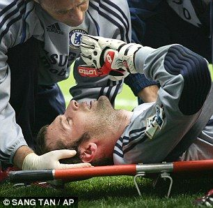 Peter Cech a goal keeper who got a head injurie, due to this he almost died.