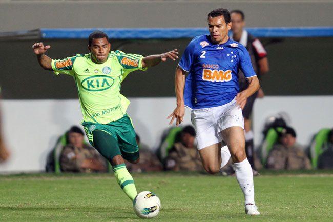 Cruzeiro vence, e Palmeiras entra na zona de rebaixamento