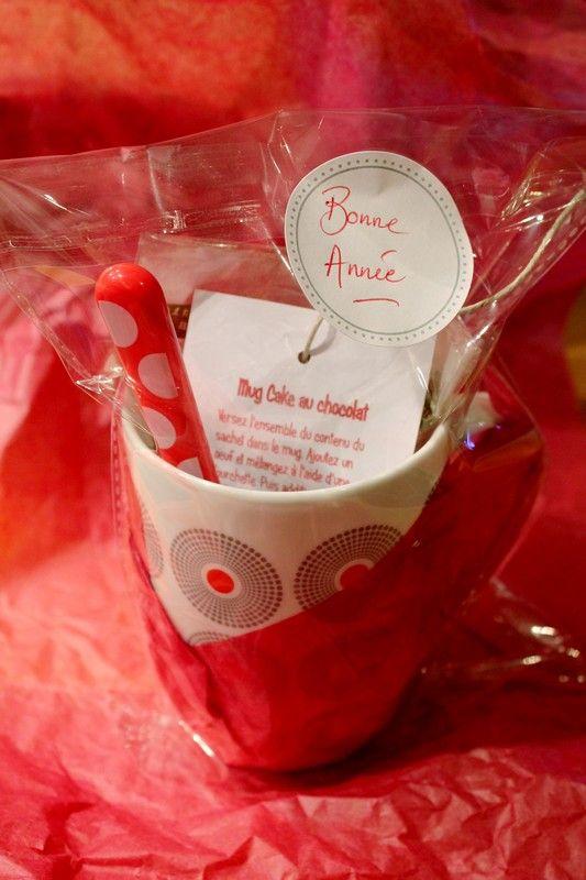 Un mug personnalisé avec dedans les ingrédients pour faire un mug cake !!!