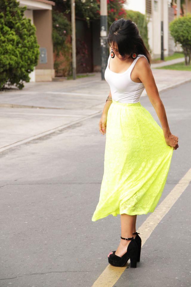 La falda amarillo neón   el diario de Pink Chick