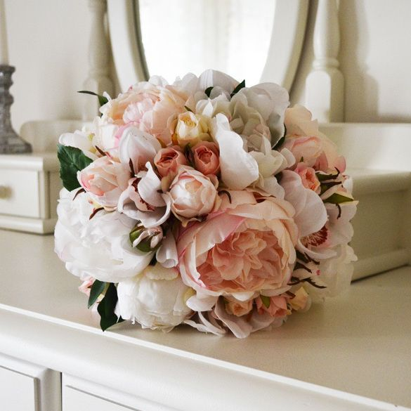 Another gorgeous Adalyn bridal bouquet ready to be posted...such a popular bouquet @bloomroomdesigns #silkbouquet #bridalbouquet #pinkwhitebouquet
