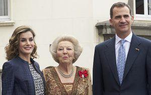 Королева Летиция, принцесса Беатрикс и король Филипп VI на выставке Иеронима Босха http://womenbox.net/stars/koroleva-leticiya-princessa-beatriks-i-korol-filipp-vi-na-vystavke-ieronima-bosxa/    Монархии   Королева Летиция, принцесса Беатрикс и король Филипп VI на выставке Иеронима Босха         Айна Прэстон        3126    31 мая 2016, 10:00