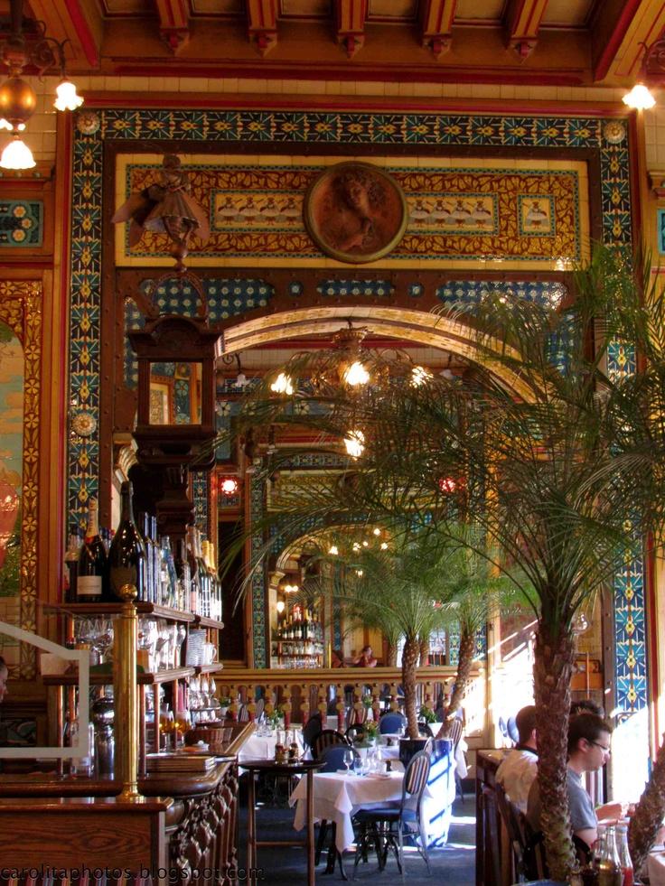 Nantes, Pays de la Loire. Restaurant La Cigale #nantes